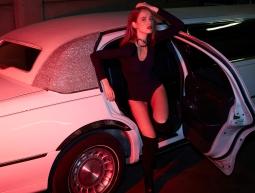 limousine-hostess4